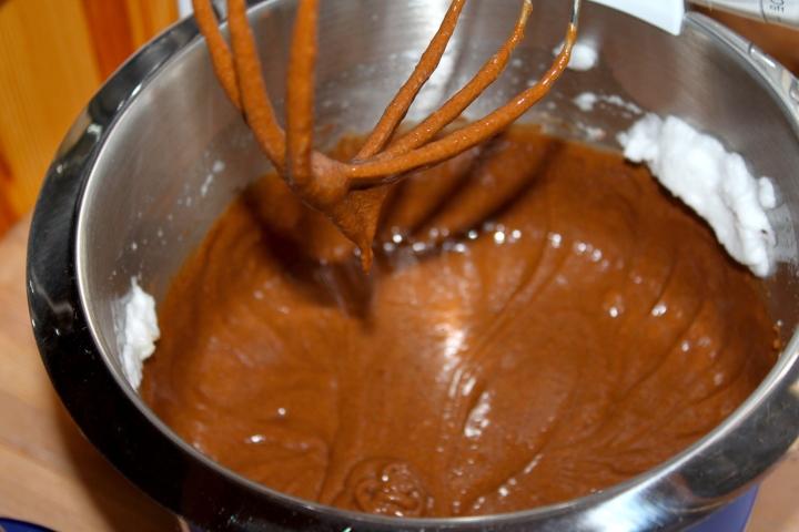 søtppotetsalat, honey-mustard, fyrstekake og sjokoladekremkake 141